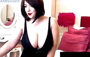 Thick and busty cam - Plea this girl at sexxxxes.com