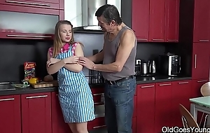 Old Goes Young - Wettish sex in all directions the kitchen between youthful babe