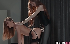 Mia Reese and Rossy Bush and Luring Stockings