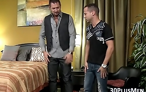 Muscly hunks Three-some fuck